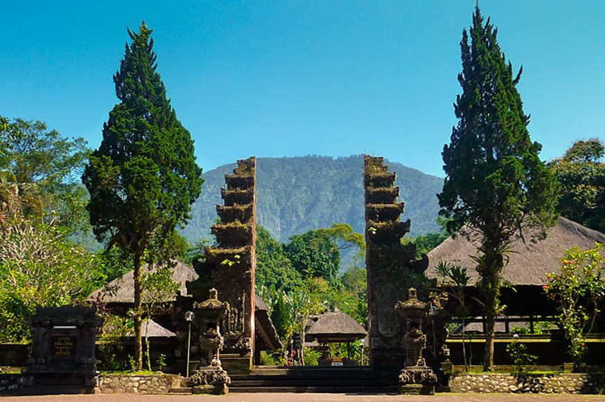Pura Batukaru Tempat Suci Di Lereng Gunung Batukaru Bali
