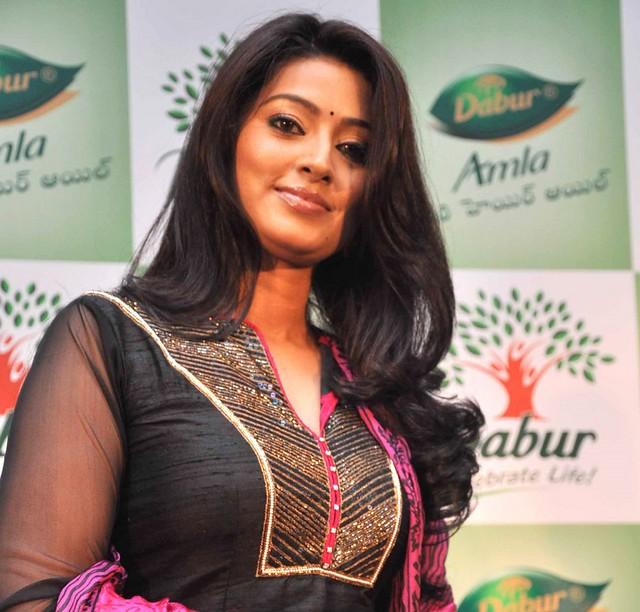 Sneha Stills Murattu Kaalai Sneha Upcoming Tamil Movie: TeluguMovieClub: Sneha Hot Pics