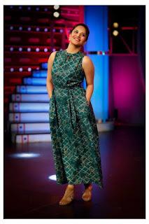 TV Anchor Anasuya Pictureshoot In Sleeveless Green Gown (1)