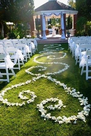 Celebra tu boda en una glorieta - Foto: www.elegantweddinginvites.com