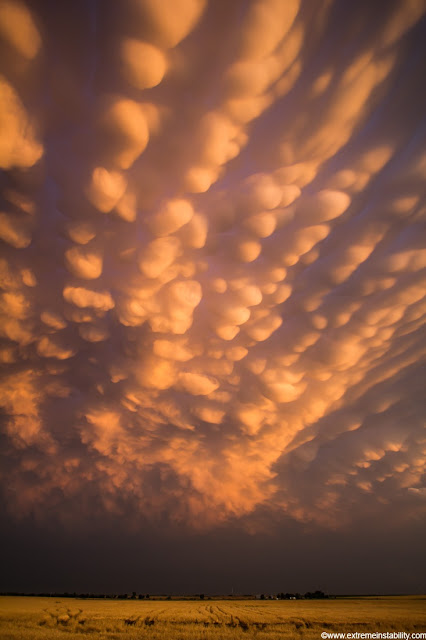 Intense mammatus clouds form over eastern Nebraska