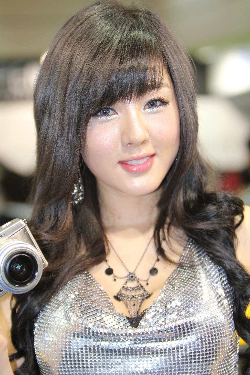 What Is Uber Black >> P&I 2011: Hwang Mi Hee in Silver - Korea Girls
