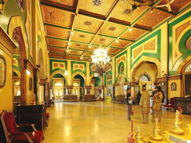 Bagian Dalam istana maimun Kota Medan