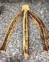 Formado de la trenza de Nutella y avellanas.