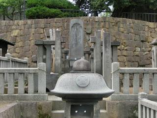 浅野長矩の墓
