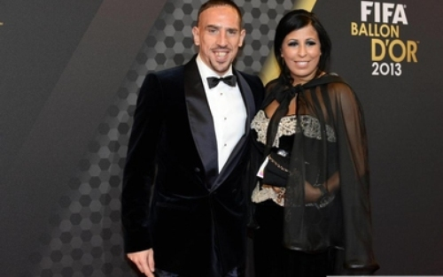 اللاعب الفرنسي ريبري والفتاة الجزائرية وهيبة