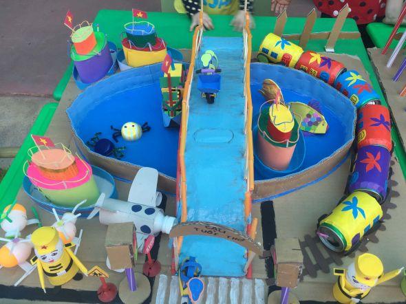 Hội thi làm đồ dùng đồ chơi sáng tạo chủ điểm giao thông