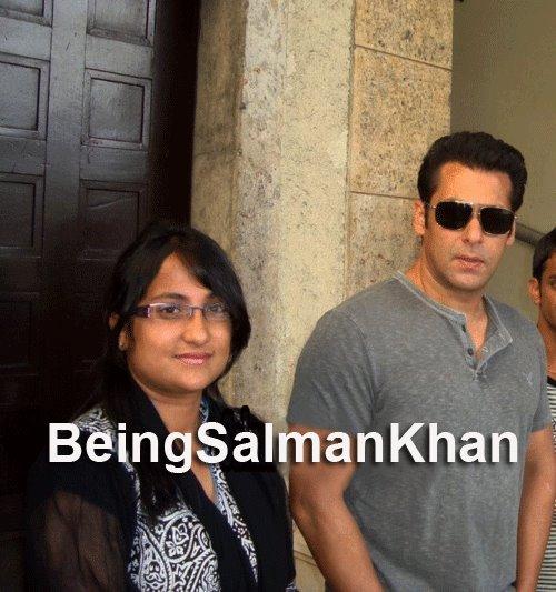 Only-Katrina Katrina Kaif  Salman Khan With Fans During -2162