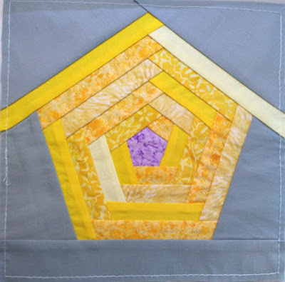Log cabin quilt block birdhouse