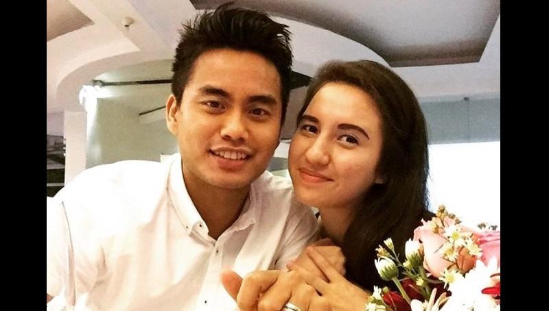 Tontowi Ahmad dan istrinya, Michelle Harminc