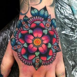 tatuaje mandala mujer 14