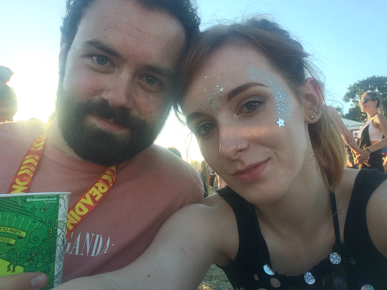 reading festival couple