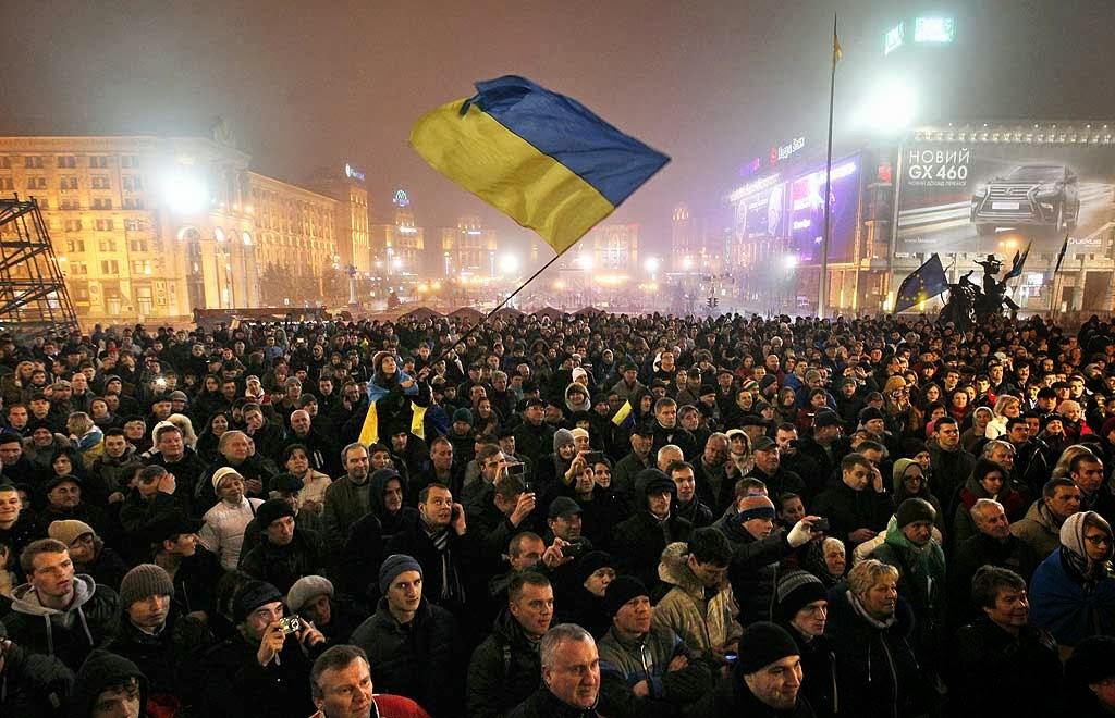 Povo ucraniano defende heroicamente sua independência