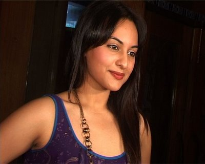 Sonakshi Sinha wallpapers and images and biography