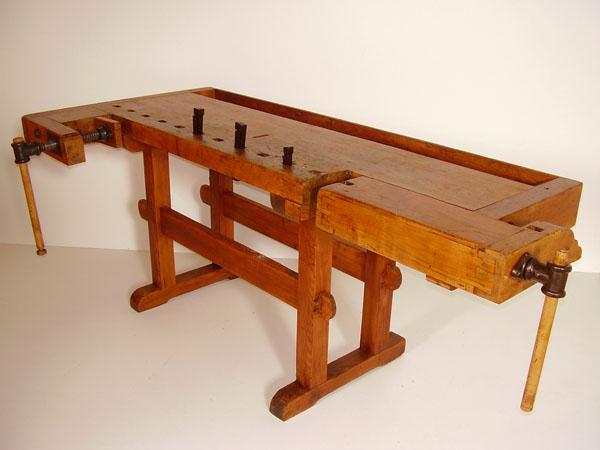 Tavolo Da Lavoro Antico : Banco da lavoro antico antico banco da lavoro trasformato in