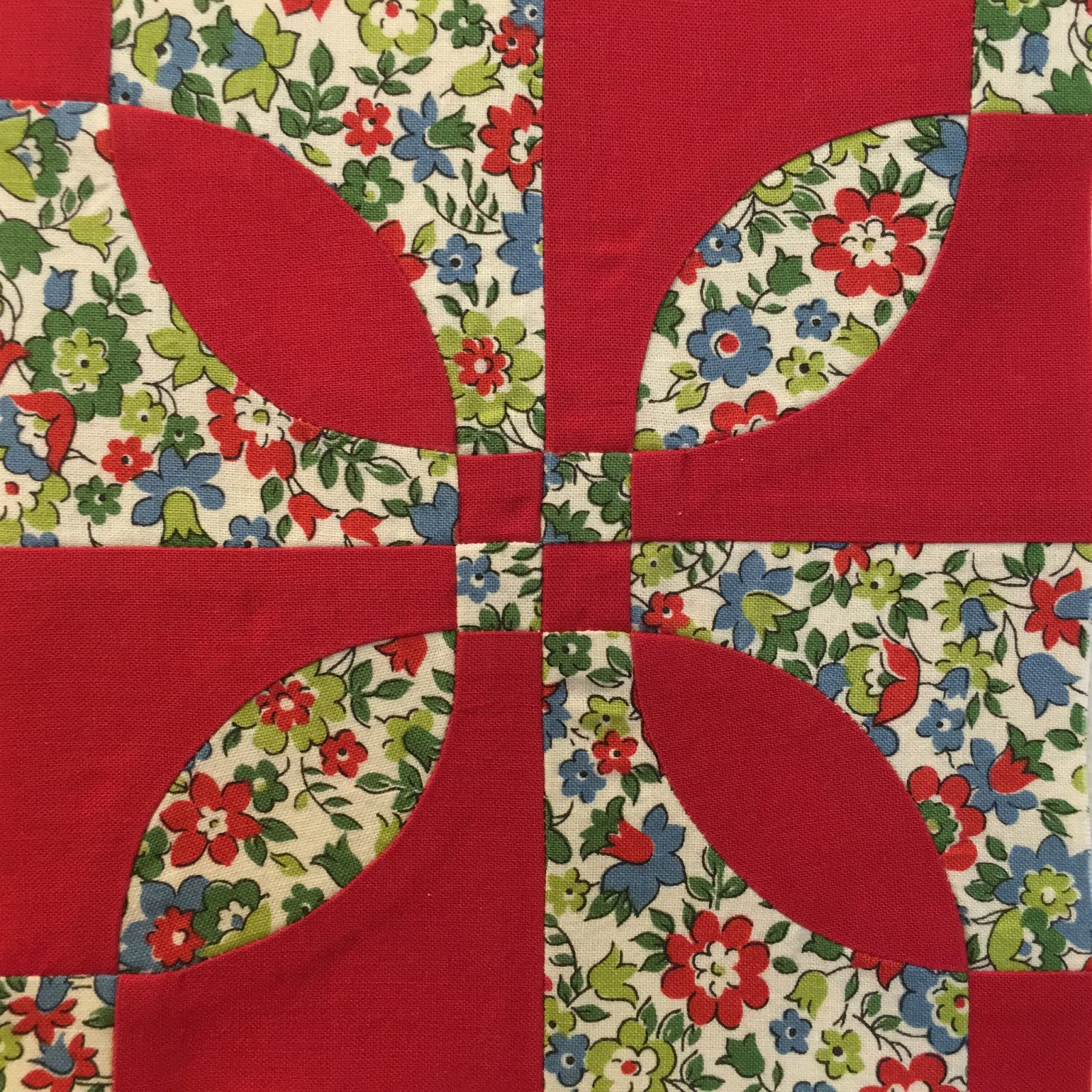 Rose Dream Quilt Block.Cheeky Cognoscenti Quilter Goes Rogue Slipping A Rose