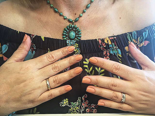 Lizzi Richardson Manicure