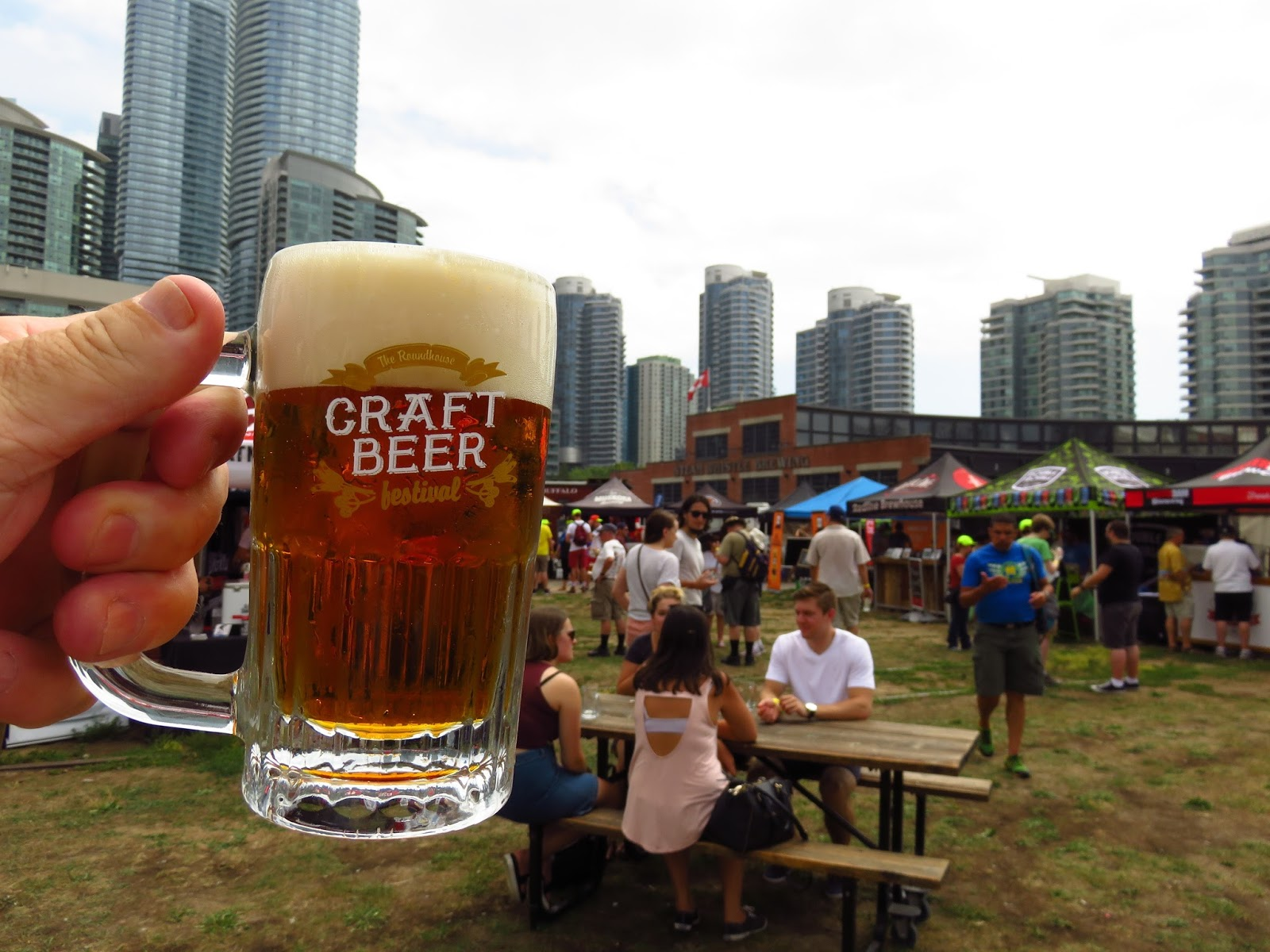 The world of gord the 2016 roundhouse craft beer and food for Food truck and craft beer festival