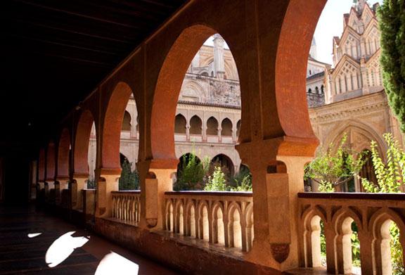 Claustro y Templete mudéjar del Monasterio de Santa María de Guadalupe