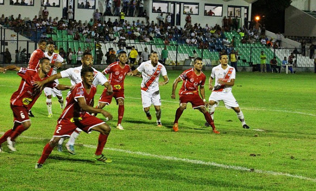 Ríver e 4 de Julho empatam em jogo movimentado no Lindolfo Monteiro