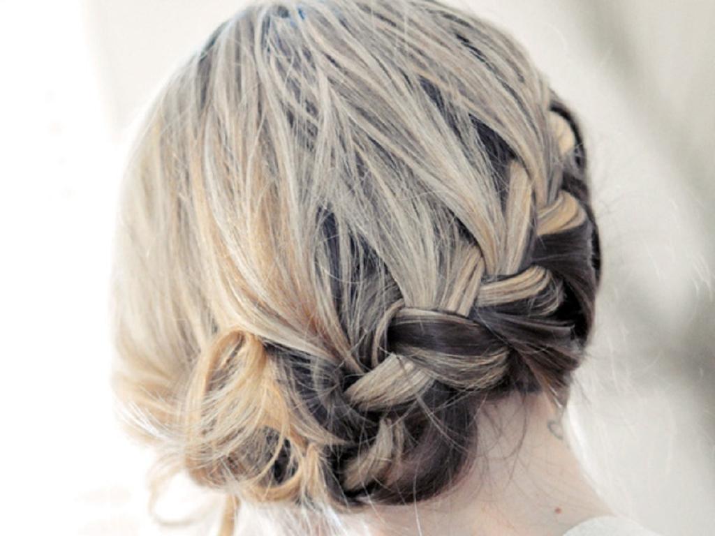 Hair Updos For Short Length Hair: Paperlanternstudios: 28 Peinados Recogidos Para El Pelo Corto