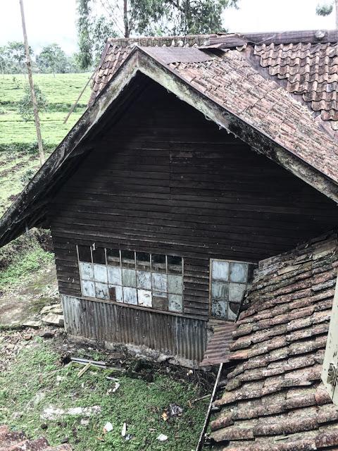 rumah tua pengabdi setan