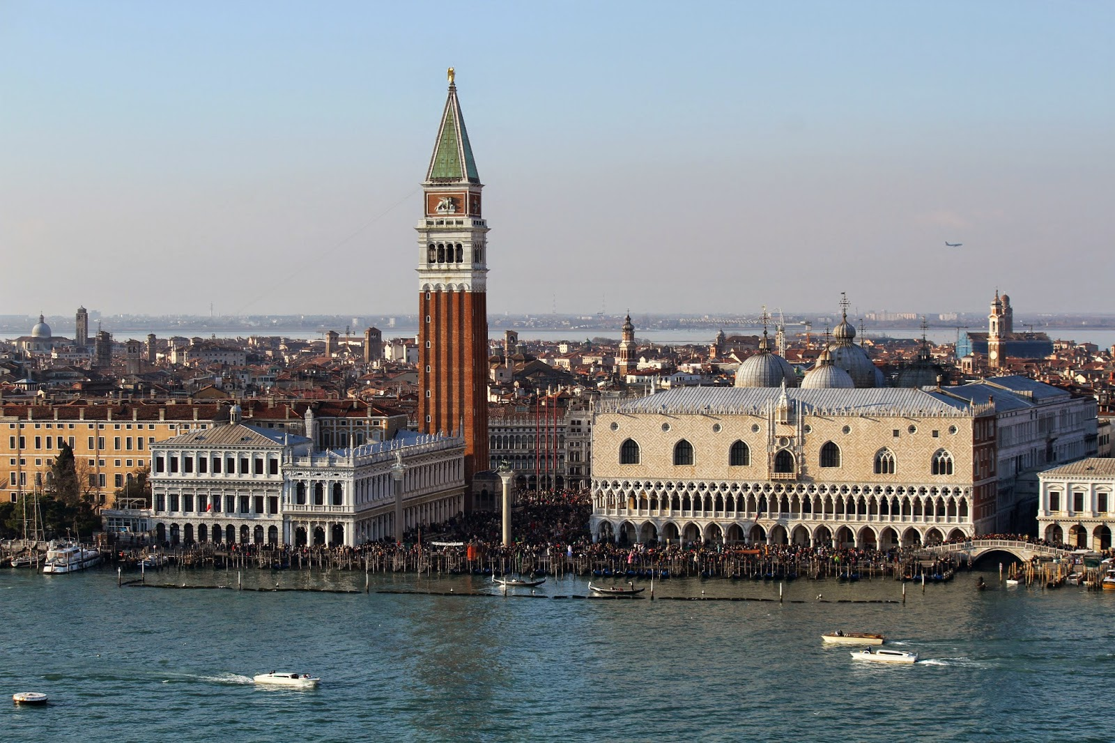 CARNAVAL DE VENEZA - Tudo o que precisa de saber para participar e aproveitar | Itália
