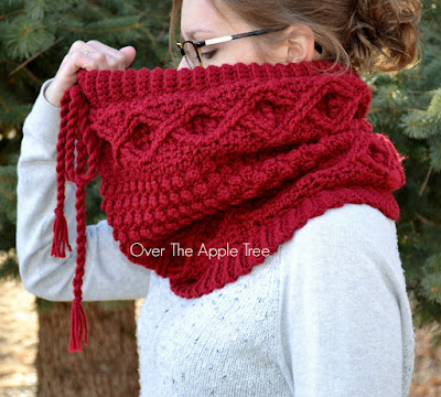 Cabled Crochet Cowl