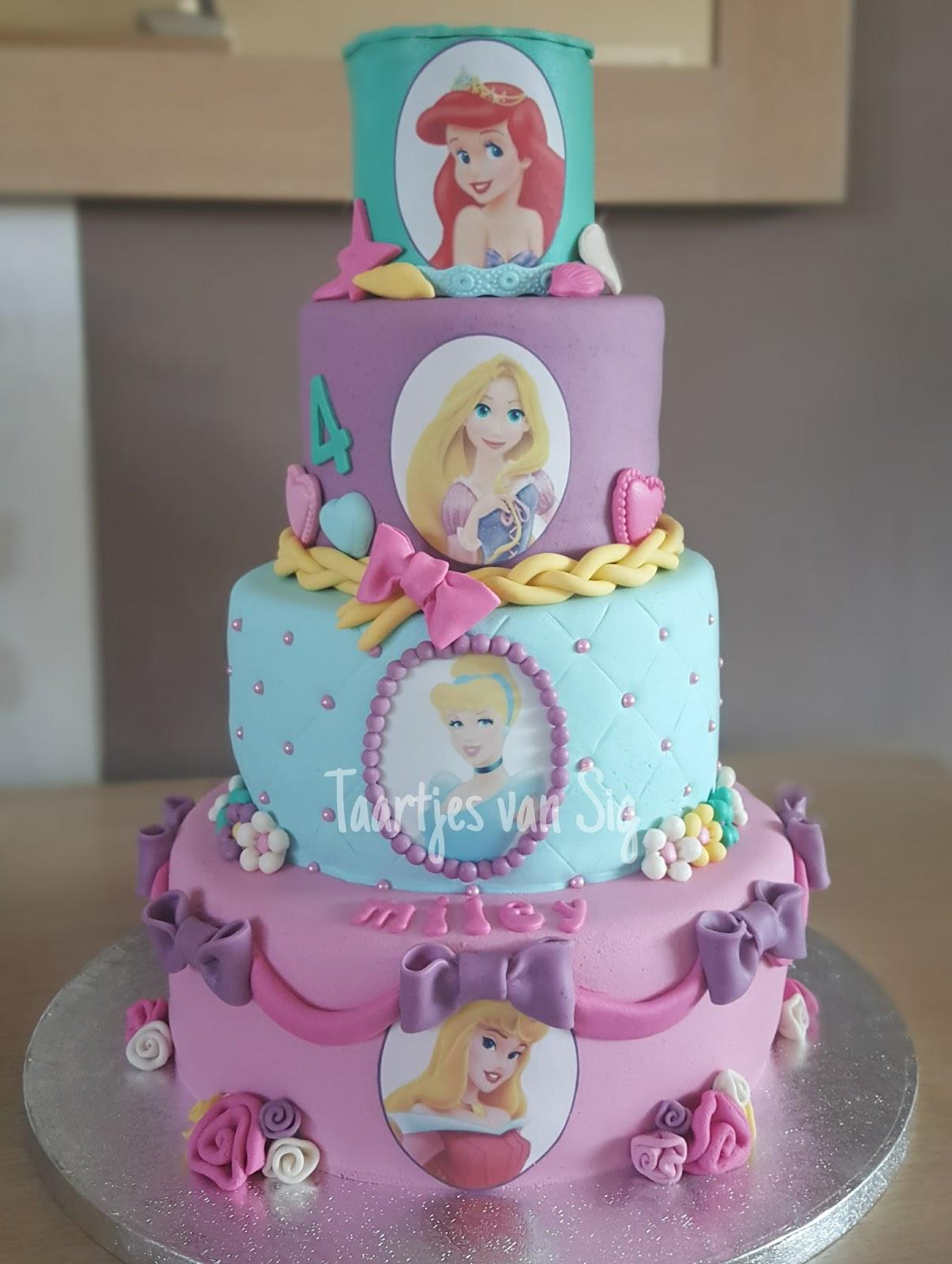 Taart Met Disney Prinsessen En Prinsessencupcakes
