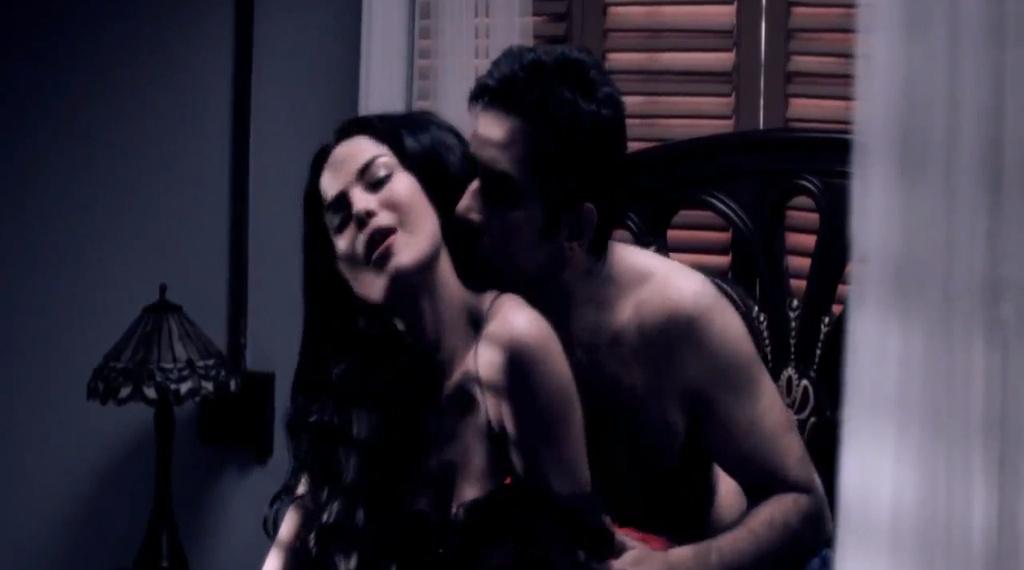 veena-malik-latest-nude-scene