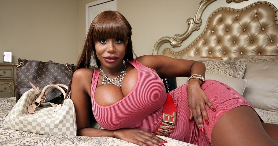 image Nasty sugar mummy finds herself a black cock to play with