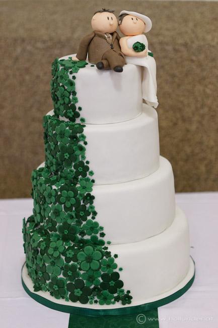 Torten Cupcakes By Sibl 4 Stockige Hochzeitstorte In Tannengrun