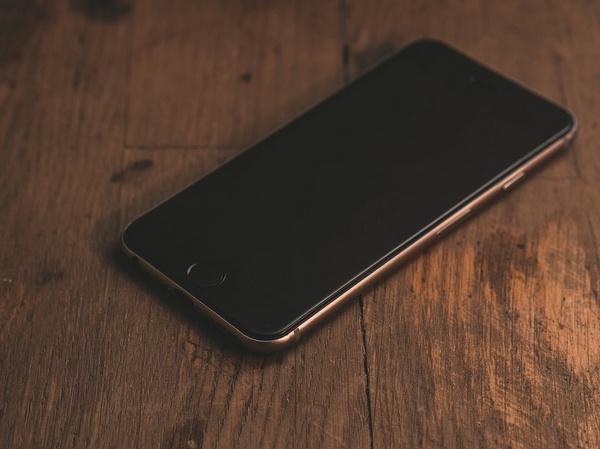 Cara Mengatasi Smartphone Sering Lag & Hang (Penyebabnya)