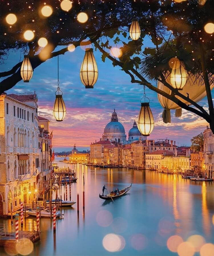 03-Venice-and-lanterns-Robert-Jahns-www-designstack-co