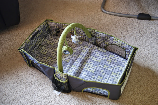 Summer Infant Travel Bed And Sooth & Vibe