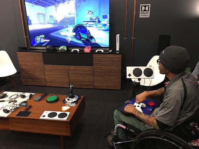 مايكروسوفت تكشف رسميا عن جهاز التحكم للاعبين من ذوي الاحتياجات الخاصة ، فكرة رائعة جدا …