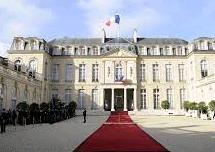 Hariri to return to Beirut after meeting Macron