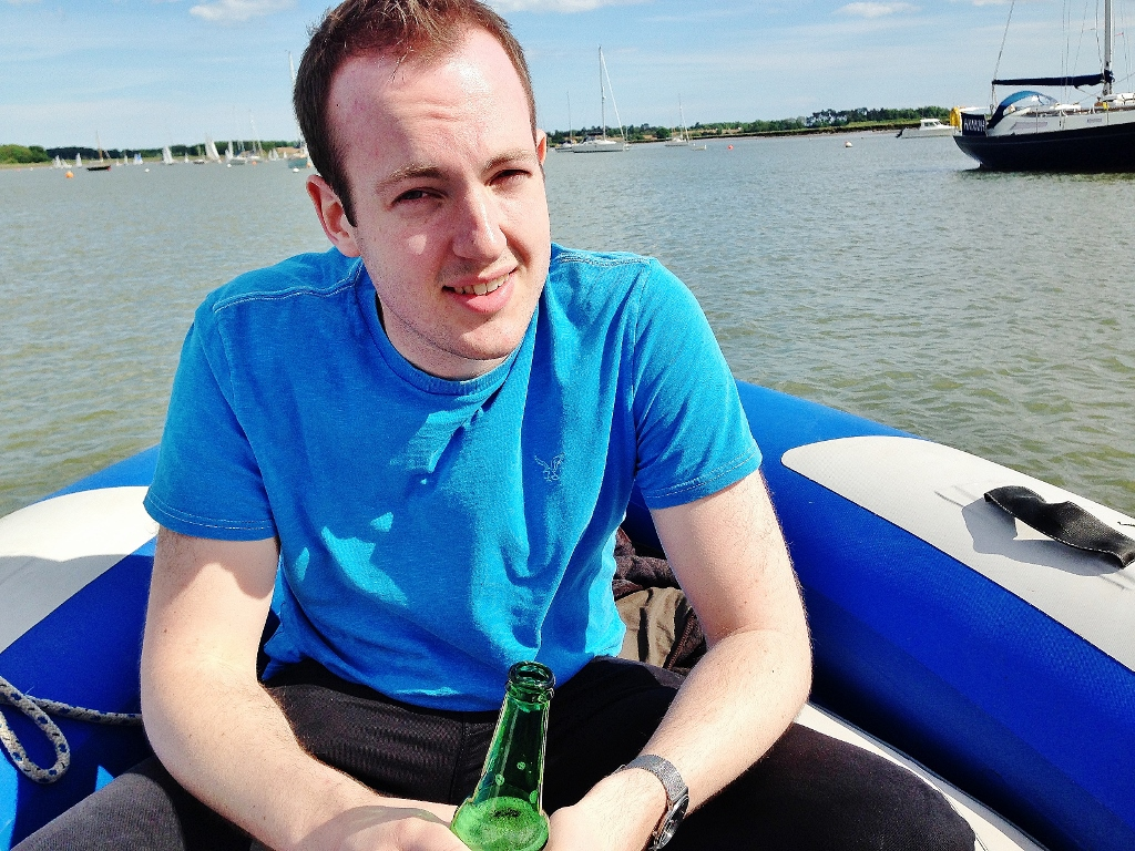 boyfriend on speedboat