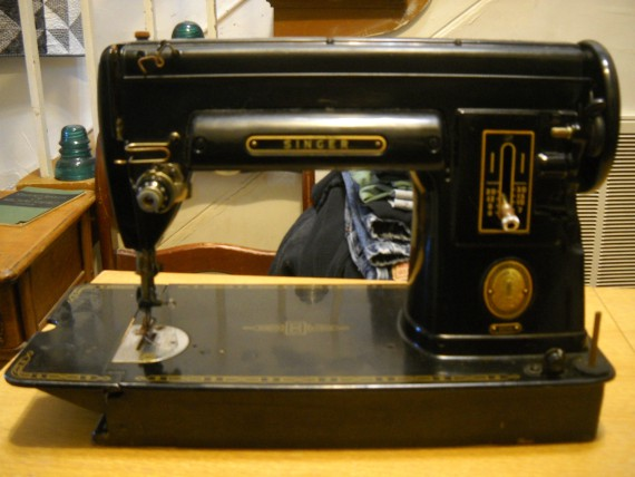 Curlicue Creations Singer 40A Sewing Machine Cabinet And Accessories Mesmerizing Singer 301a Sewing Machine