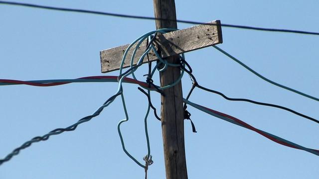 Cosern faz fiscalização para combater 'gatos' e recupera energia elétrica suficiente para abastecer uma cidade
