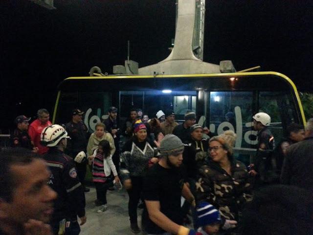 Turistas estuvieron 7 horas varados a 4.765 metros en el teleférico de Mérida