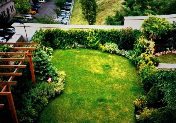 14 Taman Roof Garden Di Atap Rumah Yang Inspiratif