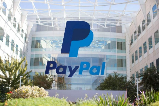 Apple now lets you pay for digital goods with PayPal