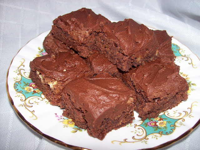 A plateful of Bernice's Easy Brownies