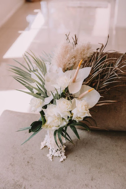 KATIE PURLING PHOTOGRAPHY  WEDDING FLOWERS FLORAL DESIGN