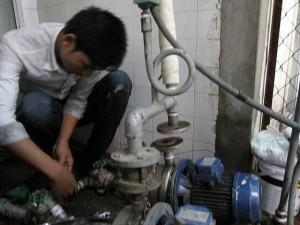 Sửa máy bơm nước không vào điện
