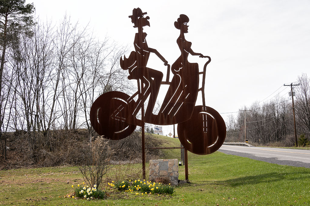 Lincoln Highway Roadside Giant - Bicycle Built for Two