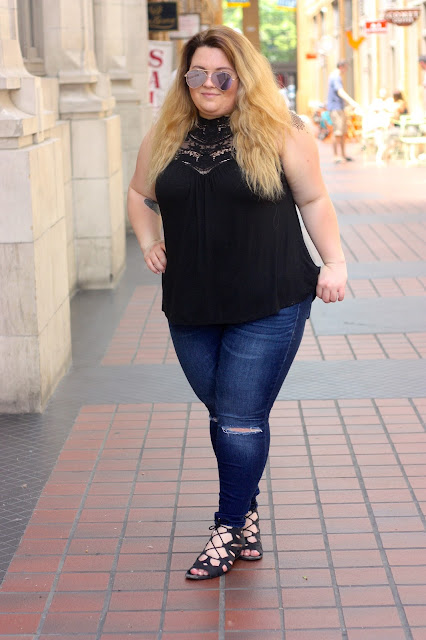 vacation style, summer style, plus size fashion, plus size fashion blogger, natalie craig, natalie in the city, ann arbor michigan, crochet tank top, ripped jeans, franco sarto sandals, girls with tattoos, natural hair, mirror aviator sunglasses pink