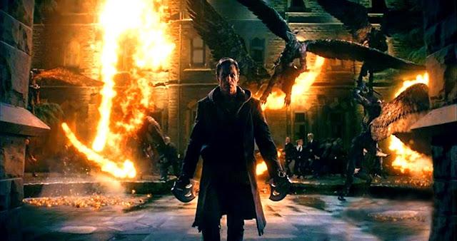 Aaron Eckhart se luptă cu monştrii în filmul I, Frankenstein