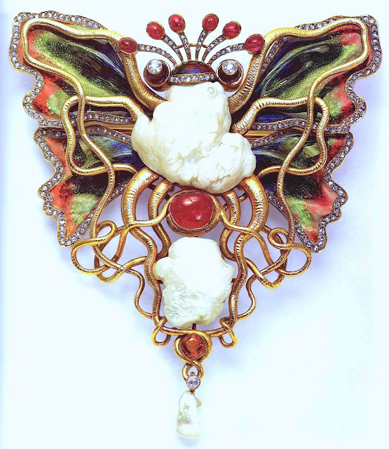 photo of 1800s art nouveau unusual broach